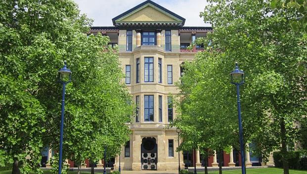 Cambridge Judge Business School - Top 5 UK business schools for MBAs